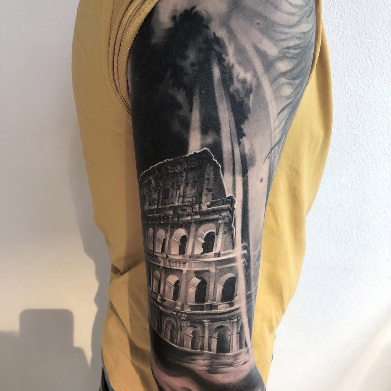 Kolosseum | Thomas | Newborn Tattoo Wolfratshausen
