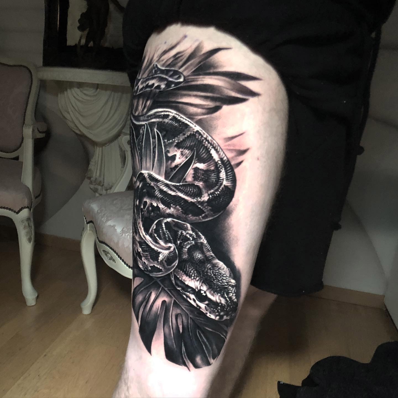 Schlange | Thomas | Newborn Tattoo Wolfratshausen